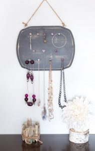 Upcycled jewelry organizer