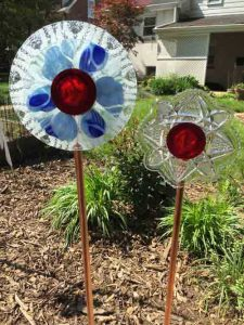 Upcycled garden dish flowers